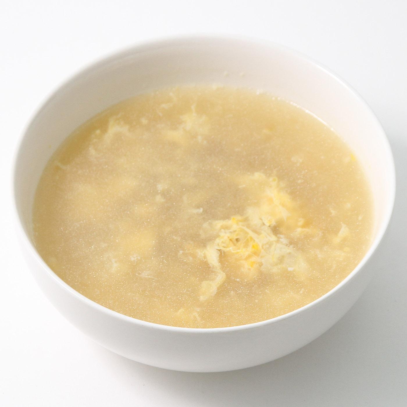 器に入れたふかひれスープ北京風