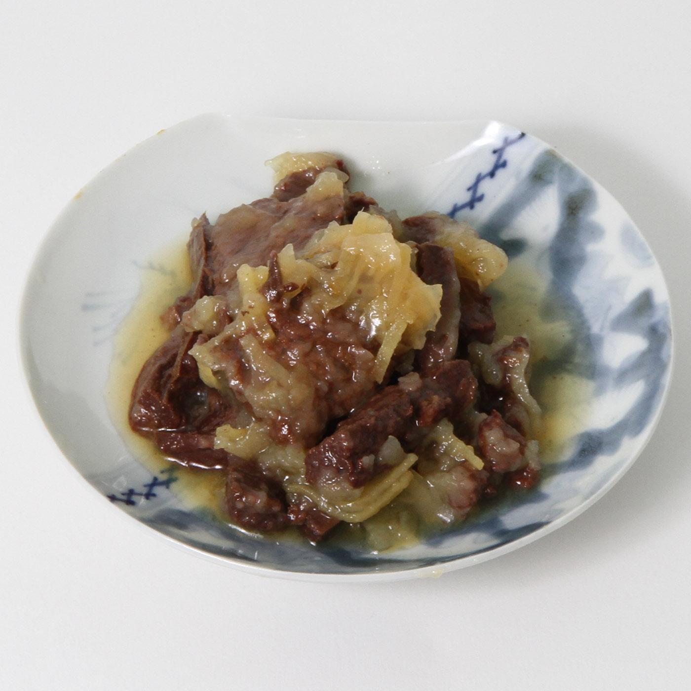 お皿にのせた長須大和煮缶詰